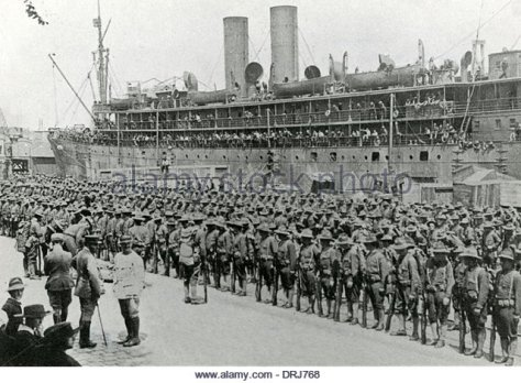 american-troops-arriving-in-europe-ww1-drj768